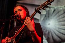 Adna Singer Songwriterin InkluPedia Das Freie Freundliche Wiki